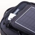 Die Solarzelle speist entweder direkt das zu ladene Gadget oder einen Akku. (Bild: netzwelt)