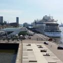 Hamburger Hafen bei Sonnenschein, gemacht mit Smartphone-Nummer 1. (Bild: netzwelt)