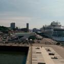 Hamburger Hafen bei Sonnenschein, gemacht mit Smartphone-Nummer 3. (Bild: netzwelt)