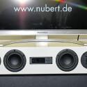 Klanglich ausgezeichnetes TV-Soundsystem, das auch zur Seite abstrahlt. Vielfältig regelbar, aber ohne Surround, davon hält Nubert nichts bei Soundbars. (Bild: netzwelt)