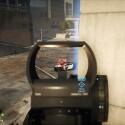 Die Möglichkeiten bleiben in Battlefield Hardline meist offensiver Natur, dennoch ist Strategie Trumpf - hier schirme ich meine Kameraden am Geldtransporter beispielsweise vor der anrückenden Polizei ab. (Bild: Screenshot/EA)