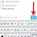 Befinden sich beide Chatpartner gleichzeitig in der Konversation, können Sie einen Videochat starten. In diesem Fall färbt sich der Button blau. Tippen Sie den blauen Button an und halten Sie ihn gedrückt. (Bild: Screenshot/Snapchat)