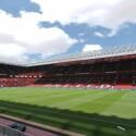 Die FIFA 15-Nachbildung des Stadions Old Trafford. (Bild: EA)