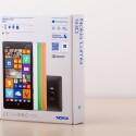 Auch das Nokia Lumia 930 kommt in einer neuen Verpackung in den Handel... (Bild: netzwelt)