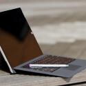 Fast wie ein Notebook: Aufgeklappt wirkt das Surface Pro 3 nicht zuletzt wegen dem vergrößerten Bildschirm erwachsen. (Bild: netzwelt)