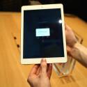 Touch ID hält nun auch im iPad Air Einzug. Mangels NFC-Chip fällt das Bezahlen mit dem iPad aber flach.