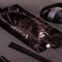 Die Hauptbürste ist extrem klein und lange Haare verwickeln sich schnell.