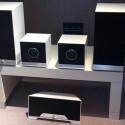Ein Teil des Raumfeld-Lautsprecher-Portfolios: Raumfeld Stereo M, Stereo Cubes, darunter der One M (von links).