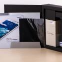 Samsung legt der Premium Edition etwa eine bunte Anleitung bei, ...