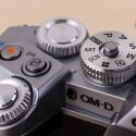 Die Verarbeitung der Bedienelemente ist herausragend. Olympus setzt die Messlatte sehr hoch für alle anderen Kamerahersteller. Eine solch hohe Qualität ist selten am Markt.