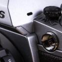 Auch Studioblitzanlagen können an die Systemkamera angeschlossen werden.
