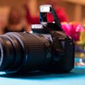 Die Nikon D5500 besitzt ein neues leichtes Gehäuse, dass dank besonderer Fertigung sehr stabil sein soll.