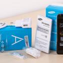 Samsung legt dem Galaxy A3 diverse Accessoires bei.