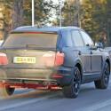Es wird vermutet, dass Bentely den Bentayga sowohl mit V8 als auch mit W12-Motor und Hybrid-Antrieb anbieten wird.