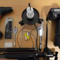 Die Ausrüstung: Bohrmaschine, Bohrer, Lampen, Stativ und Kamera. Mehr braucht der Fotograf nicht, um Licht in die Frucht zu bekommen.