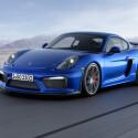 Der Supersportwagen wird standesgemäß von einem...
