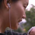 Pebble Time bietet ein Mikrofon für Sprachnachrichten.