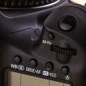 Das Tastenlayout auf der Oberseite ist entspricht der EOS 7D.