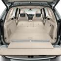 Der Lithium-Ionen-Akku ist unter dem Kofferraum untergebracht. Dennoch gibt BMW ein nutzbares Volumen von bis zu 1.720 Litern an.