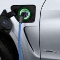 ...im Detail. Der X5 Plug-In-Hybrid kann bei Bedarf über eine ganz normale Steckdose aufgeladen werden.