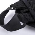 Stabile Laschen sorgen für den nötigen Halt der Tasche am Gehäuse.