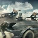 ...sind reißerische Fahrzeugkämpfe. (Quelle: Warner Bros.)
