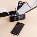 Was befindet sich neben dem BlackBerry Leap im Karton?