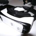 Optisch unterscheidet sich die Gear VR 2 kaum vom Vorgängermodell.