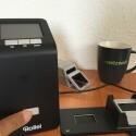 Schaltet den Diascanner an dem Ein-/Aus-Schalter auf der Vorderseite ein.