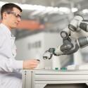 Netter Roboter: Der YuMI von ABB soll die Zusammenarbeit von Roboter und Mensch verbessern.