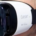 Die Gear VR trägt sich angenehm.