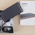Was packt Sony an Zubehör in den Xperia Z3+-Karton.