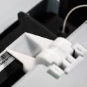 Die Filamentkassette ist im hinteren Bereich des Druckers gesichert. (Bild: netzwelt)