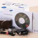 Auch der Samsung NX mini liegt wie bei allen Samsung-Systemkameras eine Vollversion des RAW-Konverters Adobe Lightroom bei, die im Einzelhandel circa 110 Euro kostet.