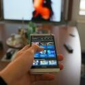 Dank Infrarotsender lässt sich das HTC One als Fernbedienung nutzen. (Bild: netzwelt)