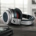 Der Kopfhörer-Spezialist Sennheiser zeigte seine geschlossenen Edel-Kopfhörer HD 630 VB.