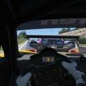 Aus der Cockpitperspektive authentisch Rennen fahren.