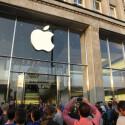 Nach und nach werden weitere Kunden zum iPhone 6 geführt.