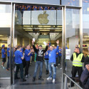 Erster Käufer des iPhone 6 im Apple-Store in Hamburg.