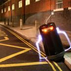 Von einem anderen Stern oder doch nur ein Mülleimer in London? Foto aus dem Lichtfaktor-Film starwars VS startrek.