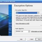 Im nächsten Schritt können Sie entscheiden, mit welchem Algorithmus TrueCrypt den Datenträger verschlüsseln soll. AES bietet hier einen guten Kompromiss aus Sicherheit und Geschwindigkeit.