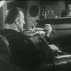Markenzeichen Violine: Noch öfter als Dracula wurde Sherlock Holmes verfilmt – mehr als 200 Mal sind die Romane und Kurzgeschichten von Arthur Conan Doyle mit dem kauzigen Detektiv in der Hauptrolle auf Zelluloid gebannt worden. <b>Dressed to kill</b> mit dem wohl bekanntesten Homes-Darsteller Basil Rathbone in der Hauptrolle kann man getrost zu den gelungenen Verfilmungen zählen. (<a href=http://www.archive.org/details/dressed_to_kill target=blank>Download</a>)
