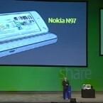 Anssi Vanjoki stellte das N97 auf der Nokia World 2008 in Barcelona vor.