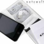 Auch der Lieferumfang des iPod Touchs ist mit Kopfhörern, einem Adapterkabel sowie einer Bedienungsanleitung nicht gerade üppig.
