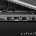 Von links nach rechts: USB 2.0, FireWire 400, FireWire 800, Gigabit-Ethernet, DVI