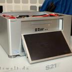 .... ein motorisiert ausfahrbares 12-Zoll-Display mit 1.280 x 800 Pixeln und ein Kaufpreis von etwa 1.000 Euro.