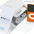 Lieferumfang: Die Beilagen zum Nano-Menü fallen dürftig aus. Lediglich Kopfhörer, Adapterkabel und eine Bedienungsanleitung liegen dem MP3-Player bei.