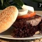 Hobbyköche finden viele Rezepte: Unter anderem wird vorgeführte, wie der perfekte Hamburger gelingt.