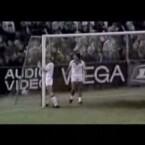 Dieses Jahr steht im Zeichen der Fußball-WM: Hoffentlich stellen sich unsere Jungs vor dem Tor nicht so ungeschickt an wie die Spieler in diesem Video (<a href=http://www.youtube.com/w/agony-of-football?v=ZzbqjSH5JJU&search=soccer%20miss target=_blank>Clip ansehen: Flash</a>).