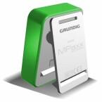 Auch die Klemme an der Rückseite des Grundig MPaxx 900 weckt Assoziationen mit dem iPod Nano.